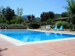 Villa Melissa, swimming pool and tennis court - Cardedu vacation rentals