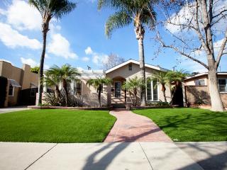 Casa de Citron in Historic Colony Area near Disney - Anaheim vacation rentals