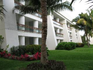Grand Mayan, 1-or 2-bdrm Suites, Riviera Maya - Playa del Carmen vacation rentals