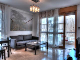 25 Hess str. Apartment #8 – 2 Bedrooms apartment - Tel Aviv vacation rentals