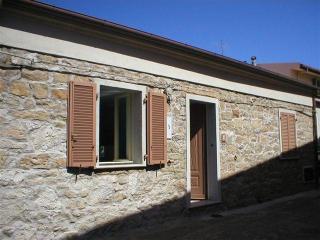 Characteristic 2 bed  house near sea sleeps 4/6 - Badesi vacation rentals