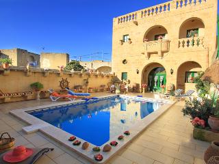 Annie Farmhouse inc Pool, AirConditioned,Sleeps 12+ - Xewkija vacation rentals