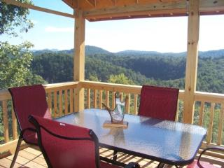 Beautiful Cabin with Deck and Dishwasher - Austinville vacation rentals