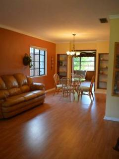 LOVELY ~ Light Cheerful ~ HOME AWAY FROM HOME 2wks - Jacksonville vacation rentals