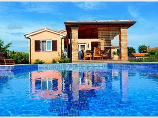 4 **** Villa with swimming pool near Porec, Istria - Istria vacation rentals