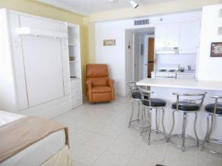 Beautifull studio apartment on the Beach - Miami B - Miami Beach vacation rentals