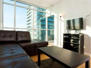 Bright and Spacious Convertible 3 Bedroom Suite - Air Canada Centre - Toronto vacation rentals