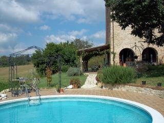 C18 stone farmhouse with panoramic mountain views - Castorano vacation rentals