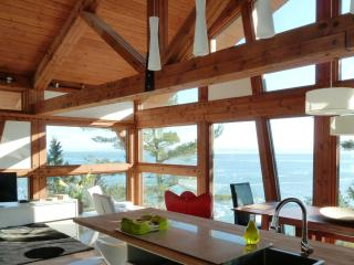 3 bedroom House with Deck in Saint-Irenee - Saint-Irenee vacation rentals