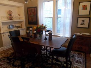 Teri's Chicago Guest House * Clark Suite - Chicago vacation rentals
