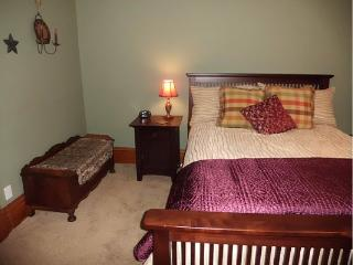Comfortable Condo with Internet Access and A/C - Barnesville vacation rentals