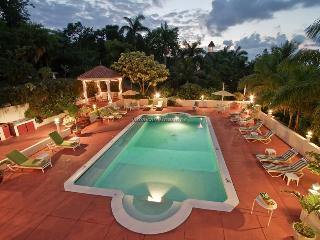 Bright House with A/C and Shared Outdoor Pool - Ironshore vacation rentals