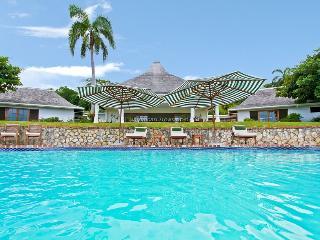BEACH CLUB! VIEWS! STAFF! TENNIS! GOLF! Cielo - Jamaica vacation rentals