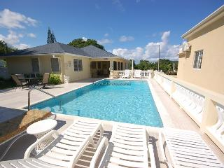 BEACH ACCESS! STAFF! POOL!DayO and Day Light Villa - Duncans vacation rentals