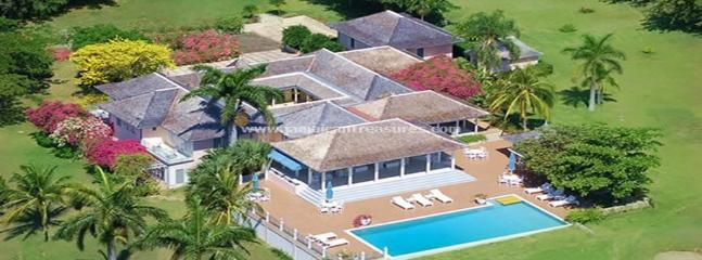 BEACH CLUB! LUXURY! STAFFED! TENNIS! GOLF! Bumpers - Image 1 - Montego Bay - rentals