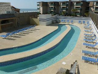 Nice 2 bedroom w/ oceanfront views @ Sands Ocean Club- Myrtle Beach SC #627 - Myrtle Beach vacation rentals