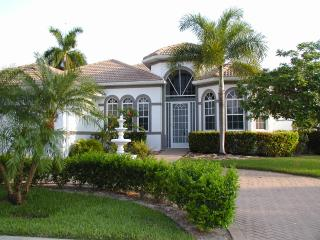 Beautiful vacation home & boat in sunny Cape Coral - Cape Coral vacation rentals