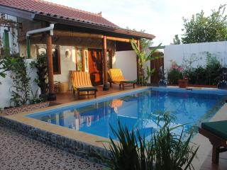 Tropical Oasis - amazing full views: Guesthouse - Jimbaran vacation rentals