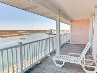 8 BEDROOMS? HERE THEY ARE!  3800 SQ FT VILLA - MILLION DOLLAR VIEWS. BEST RATES - North Myrtle Beach vacation rentals