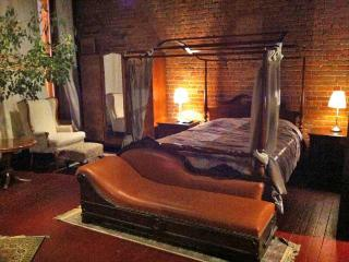 Loft Old Montreal - Must see - Ideal for 2 to 4 - Mazan vacation rentals