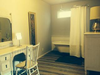 Romantic 1 bedroom Cottage in Sonora - Sonora vacation rentals