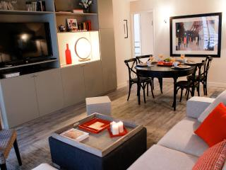 Excellent Eiffel Tower- 2 bedroom apartment - Paris vacation rentals