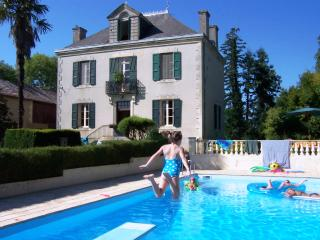 Villa Leon B&B: beautiful house in rural SW France - Mielan vacation rentals
