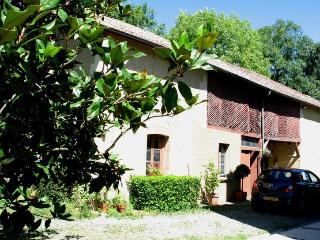 Villa Leon B&B: beautiful house in rural SW France - Sainte-Dode vacation rentals