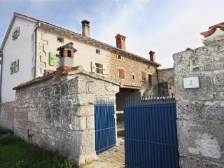 House in the village - Svetvincenat vacation rentals