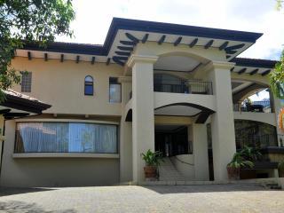 Casa Escazu - Escazu vacation rentals