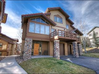 Spacious & Comfortable Townhome - Walk to Slopes, Groceries, & Restaurants (2138) - Steamboat Springs vacation rentals