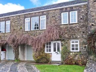 2 DALEGARTH, pet-friendly, WiFi, close to amenities, homely cottage in Buckden, Ref. 26409 - Buckden vacation rentals