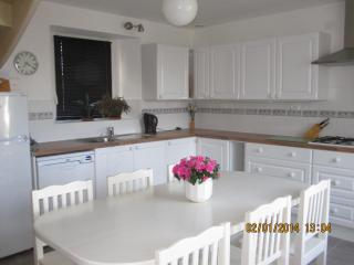 Beautiful cottage near St. Malo & Dinan (C001). - Pleurtuit vacation rentals