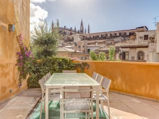 Luxury Townhouse Palma - Palma de Mallorca vacation rentals