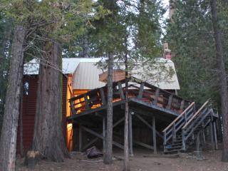 Cozy Cabin with Deck and Ceiling Fans - Shaver Lake vacation rentals