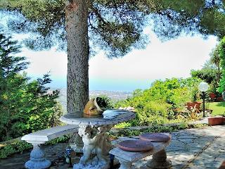 Beautiful 2 bedroom Cottage in Diano Arentino - Diano Arentino vacation rentals