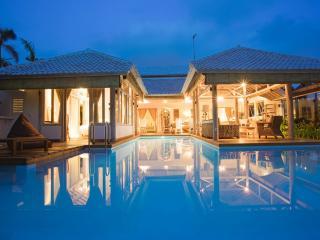 CocoWhite Villa 3 bd HEART OF SEMINYAK, near BEACH - Seminyak vacation rentals