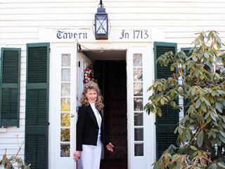 THREE SEPARATE BEDROOMS 1700s Fletcher Tavern B&B - Westford vacation rentals