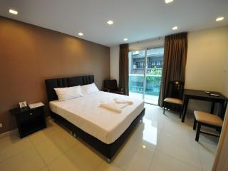 Nice Condo with Internet Access and A/C - Jomtien Beach vacation rentals