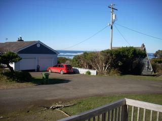 Beach House Get-Away / Steps from the Beach - Waldport vacation rentals