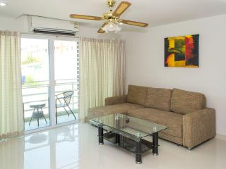 1bedroom on Jomtien 100m away from the beach(soi12-207) - Pattaya vacation rentals