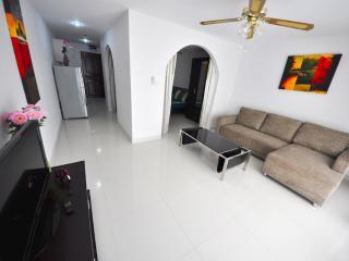 1bedroom on Jomtien 100m away from the beach(soi12-208) - Pattaya vacation rentals