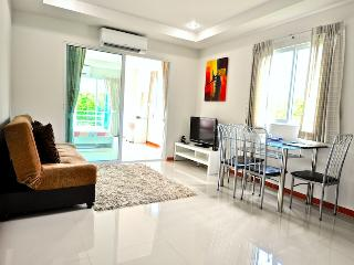 1bedroom on Jomtien 100m away from the beach(soi13-301) - Pattaya vacation rentals