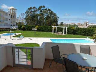 nazare 2 x bed poolside apartment - Nazare vacation rentals