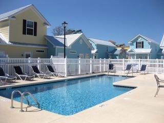 2-bedroom townhome in Myrtle Beach, 2 bk to beach - Myrtle Beach vacation rentals
