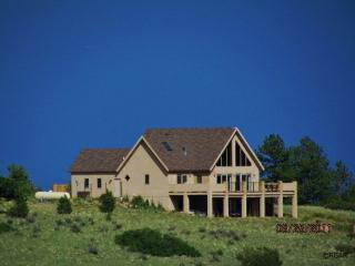 Mountain views from deck - Soaring Eagle:3bd house,mountain views, hot tub - Canon City - rentals