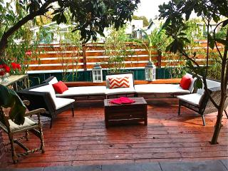Hollywood Glamor and Flair- VH1ShowLocation - Los Angeles vacation rentals