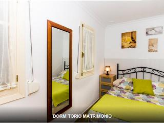 Cheap apartment in the heart of Old Cadiz (2-4 pax) - Cadiz Province vacation rentals