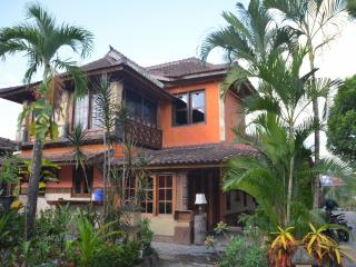 Villa Stanley - Apartment with amazing Garden View - Batu Layar vacation rentals