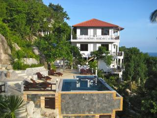 Lovely Condo with Internet Access and A/C - Koh Tao vacation rentals